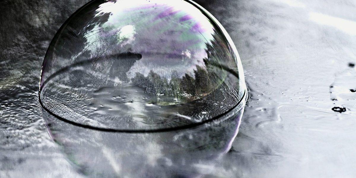 reflection-glas-blase-Pixabay-CC0